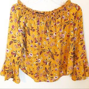 🇺🇸One Clothing LA off the shoulder floral top